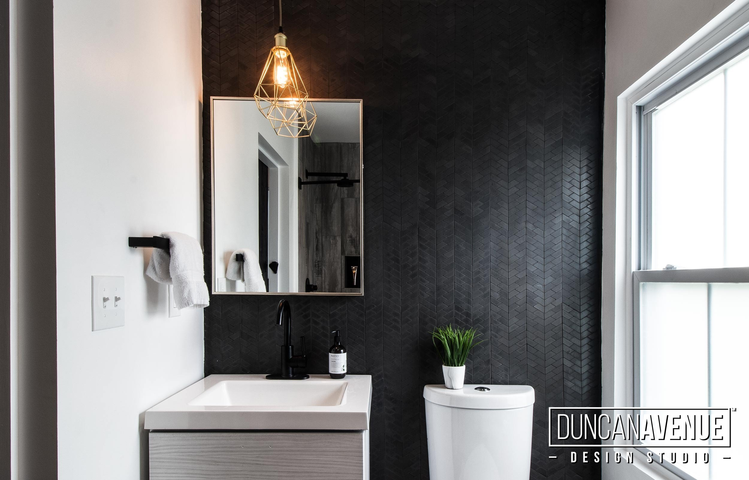Bathroom Design - Farmhouse Reinvented - Interior Design Project by Duncan Avenue Studio / Maxwell and Dino Alexander